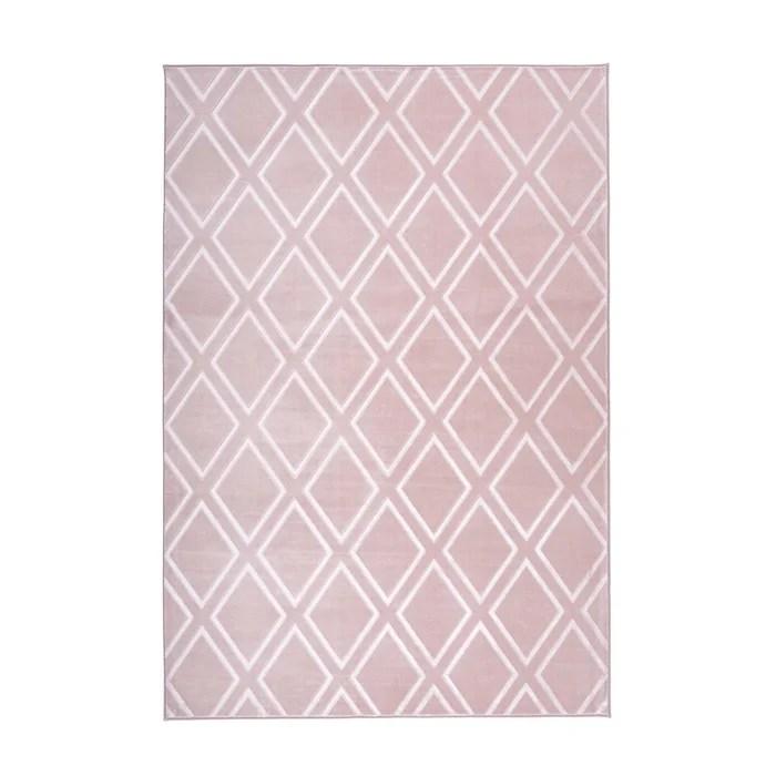 tapis avec motifs en losange