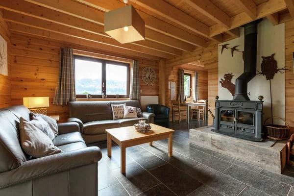 Ferienwohnungen/Ferienhäuser: Prachtvolles Familien-Cottage mit offenem Kamin, einem Pooltisch und Garten in Alle sur Semois (max. 12 Personen)