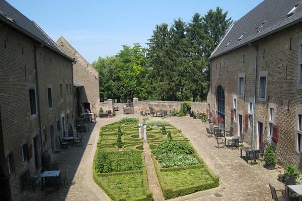 Ferienwohnungen/Ferienhäuser: 10km von Maastricht entfernt, an der belgischen Grenze (max. 10 Personen)