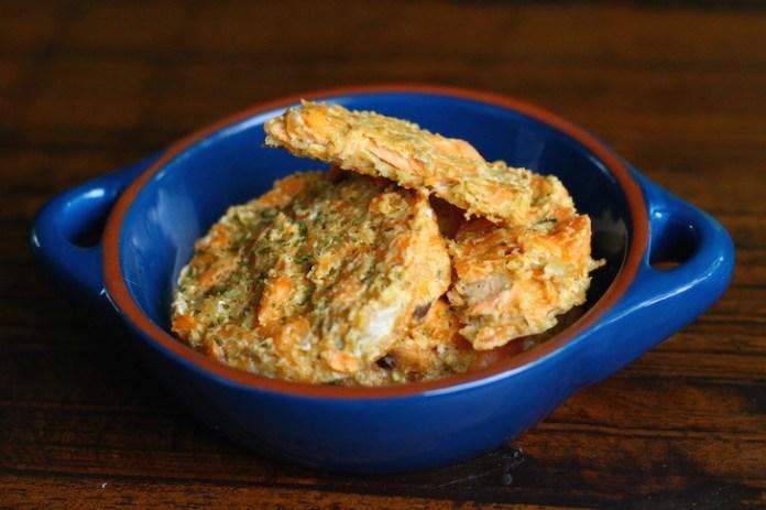 Crispy-Salmon-Cakes-Dog-Food-Recipe