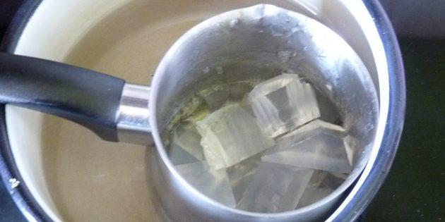 Hoe de zeep te maken: kalm de basis