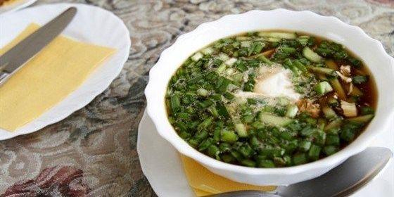 Opskrifter OkroShki: OkroShka med salt Svampe og Sauerkraut