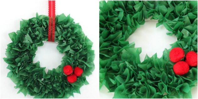 La corona del nuovo anno fai da te: ghirlande da carta ondulata