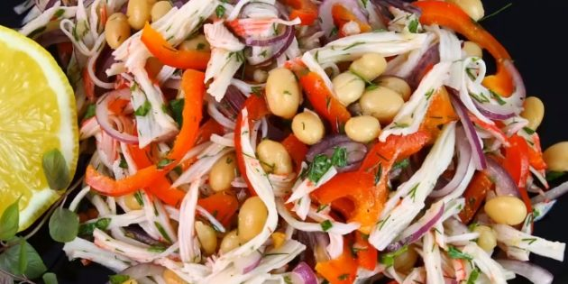 Crab stick salad, beans and pepper