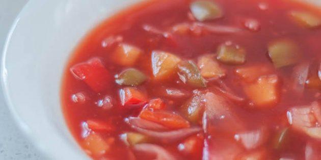 Кисло-сладкий соус с ананасом, луком и болгарским перцем