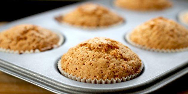 Dan saya sangat berharap bahwa artikel besar saat ini akan ada di asisten ini! Karena itu, masak muffin, tolong sendiri dan kue buatan sendiri yang lezat. Lagi pula, apa yang bisa lebih baik di rumah daripada aroma roti segar atau bau kue segar!