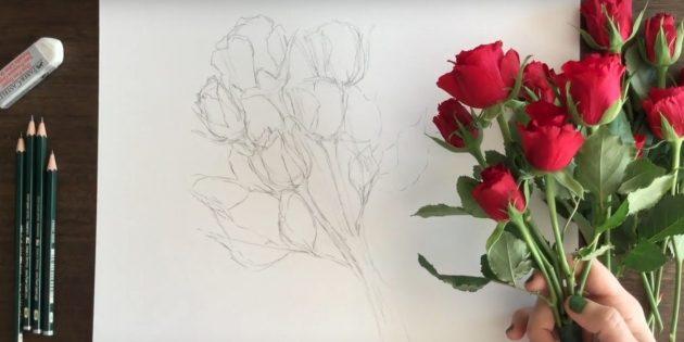 Добавьте чашелистики и лепестки двум верхним цветкам