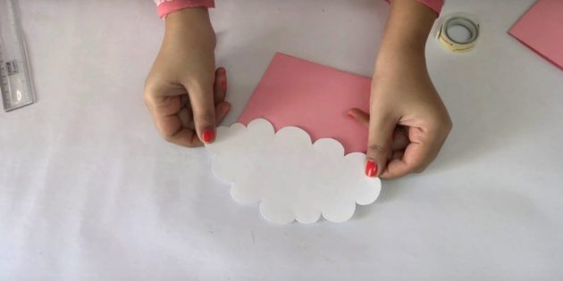 Thiệp sinh nhật với bàn tay của riêng bạn: Nhận đám mây
