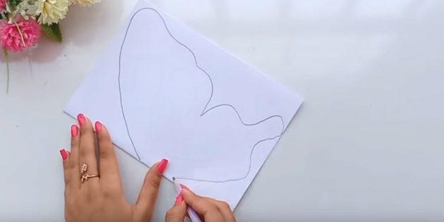 Grußkarte für Ihre Hände: Falten Sie ein Blatt Weißbuch auf der Hälfte