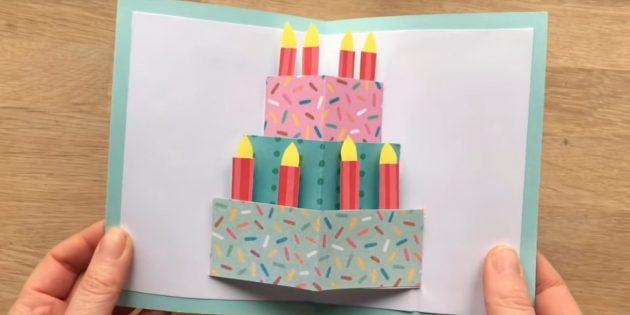 Come fare le carte con una torta di compleanno fai da te