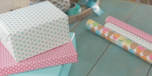วิธีการบรรจุของขวัญรูปสี่เหลี่ยมผืนผ้าให้เป็นวิธีที่คลาสสิก