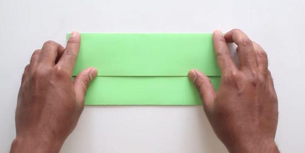 конверт своими руками без клея: загните верхнюю часть