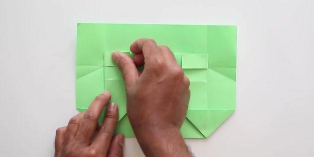 Өз қолыңызбен конверт желімсіз: Алдыңғы жағындағы қағазды бүгіңіз