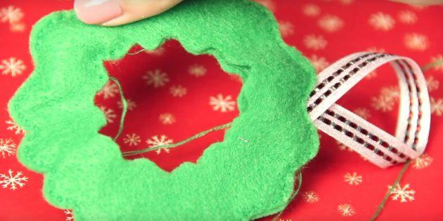 Joulukuusi lelut tekevät sen itse: Laita reuna ja lisää silmukka