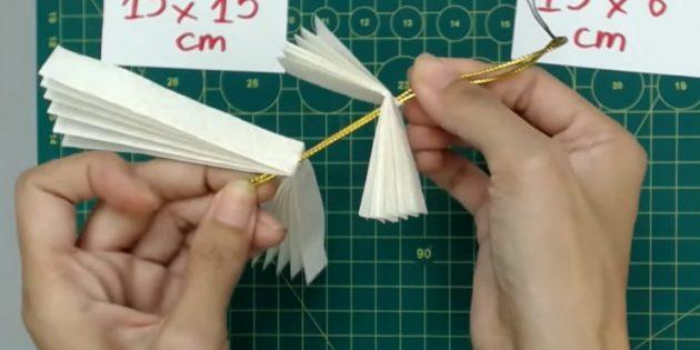 Ёлочные игрушки своими руками: добавьте вторую деталь