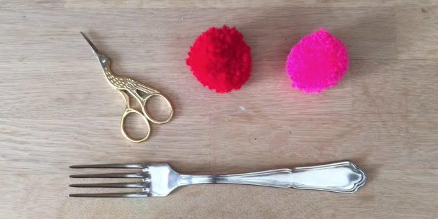 Comment faire un pompon avec une fourchette
