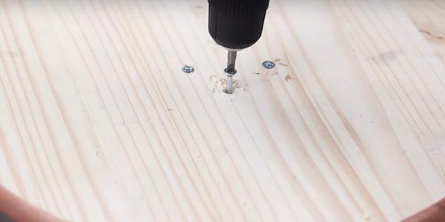 Hoe maak je een Bratechka: paar houten details