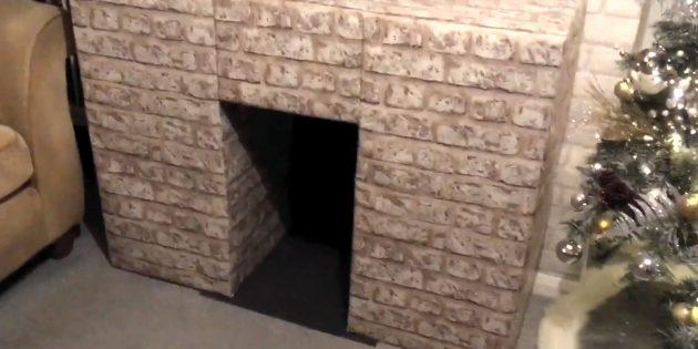 Декоративный камин своими руками: приклейте сзади и внизу топки тёмный картон или другой материал