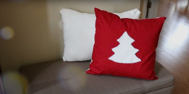 Новогодние подарки своими руками: декорированная подушка
