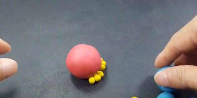 «Құс» пластилинінен қолөнер: соқыр табандар мен денелер