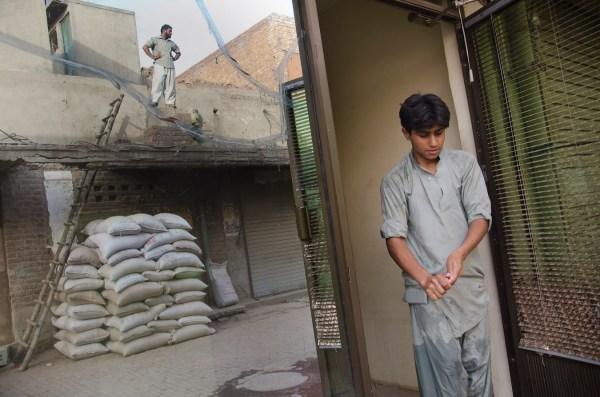 _DSC2635: @WORK: LAHORE PAKISTAN (2013): Geoffrey Hiller ...