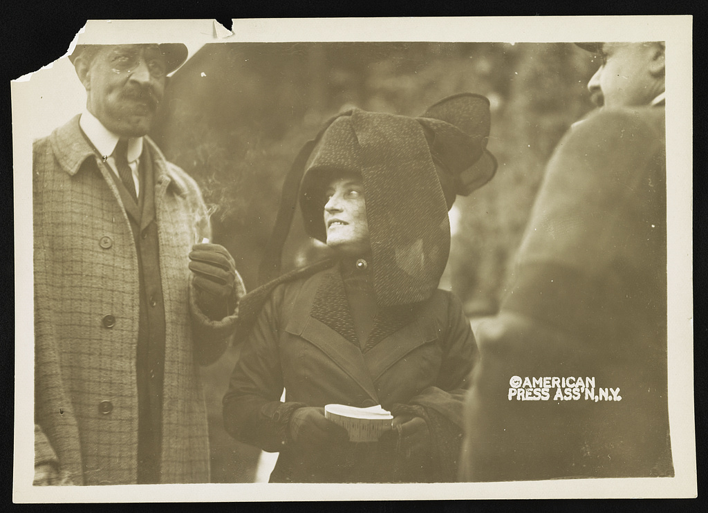 Eleanor in all black and a large black hat, in 1910.