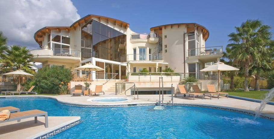 Home And Away Villas Spain