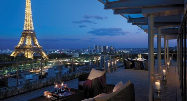 Shangri-La Paris : Un hôtel royal avec vue sur la Tour Eiffel