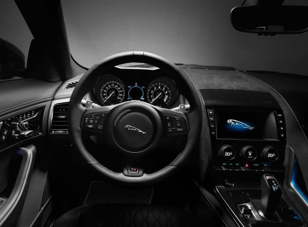 Jaguar_F-TYPE-SVR6_Luxe