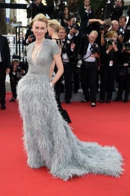 Naomi Watts portant la robe Elie Saab