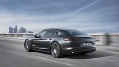 Porsche_Panamera_Luxe