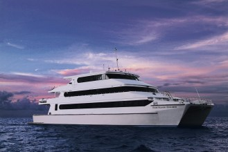 Four Seasons Explorer : Catamaran