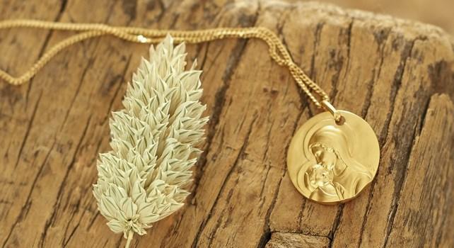 Sublimez votre foi grâce aux bijoux et médaillons de prestige en or 18 carats