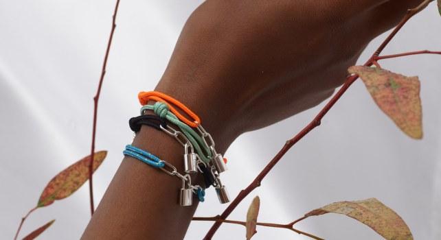 Louis Vuitton : Virgil Abloh signe le nouveau bracelet UNICEF
