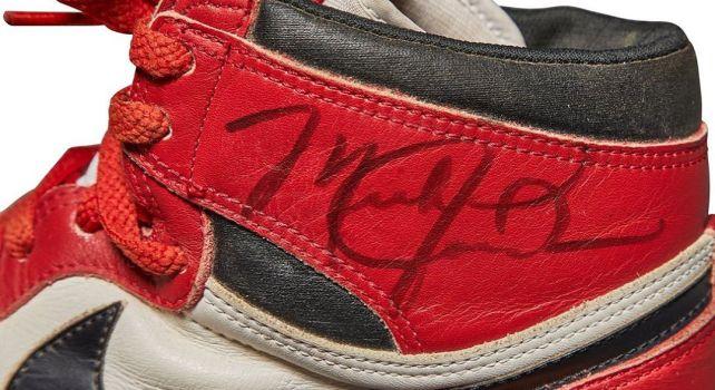 Sotheby's Nike Air Jordan : Une paire signée par Michael Jordan vendue 560.000 dollars