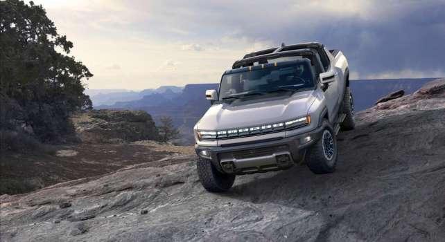GMC Hummer EV : Le premier véhicule électrique de la marque vendu 2,5 millions de dollars