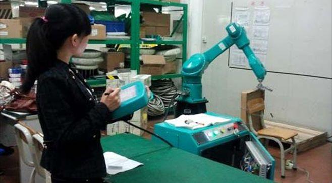 Risultare dei robot di Foxconn inadatto per lAssemblea di iPhone, versioni aggiornate negli impianti