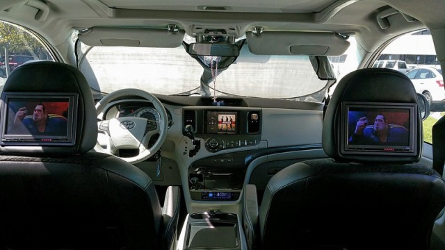 Toyota Apple Entertainment System