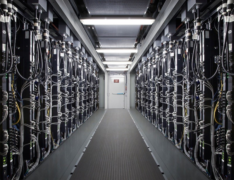 Apple Rumored to Build High Speed Network for Faster Cloud Services     Apple Data Center