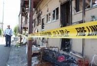 地震後に火災が起きて全焼したアパート。住民が罹災証明書の発行を求めている=熊本県八代市松崎町で2016年5月18日、平川昌範撮影