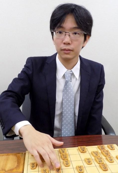 豊島将之棋聖=新土居仁昌撮影