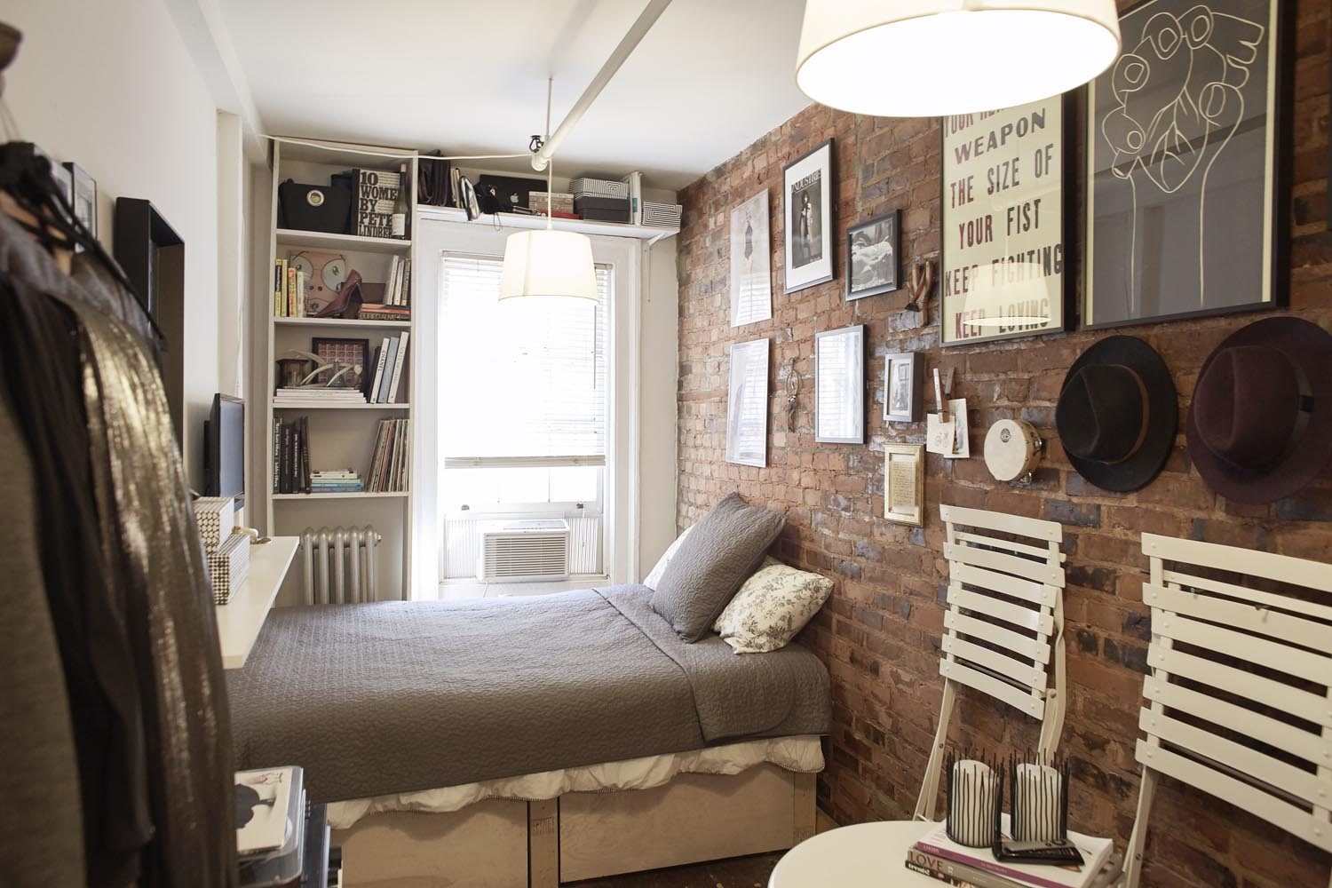 Mary Helen Rowell Uses MakeSpace To Live Happily In 90 Sq Ft on 90 Room  id=84990