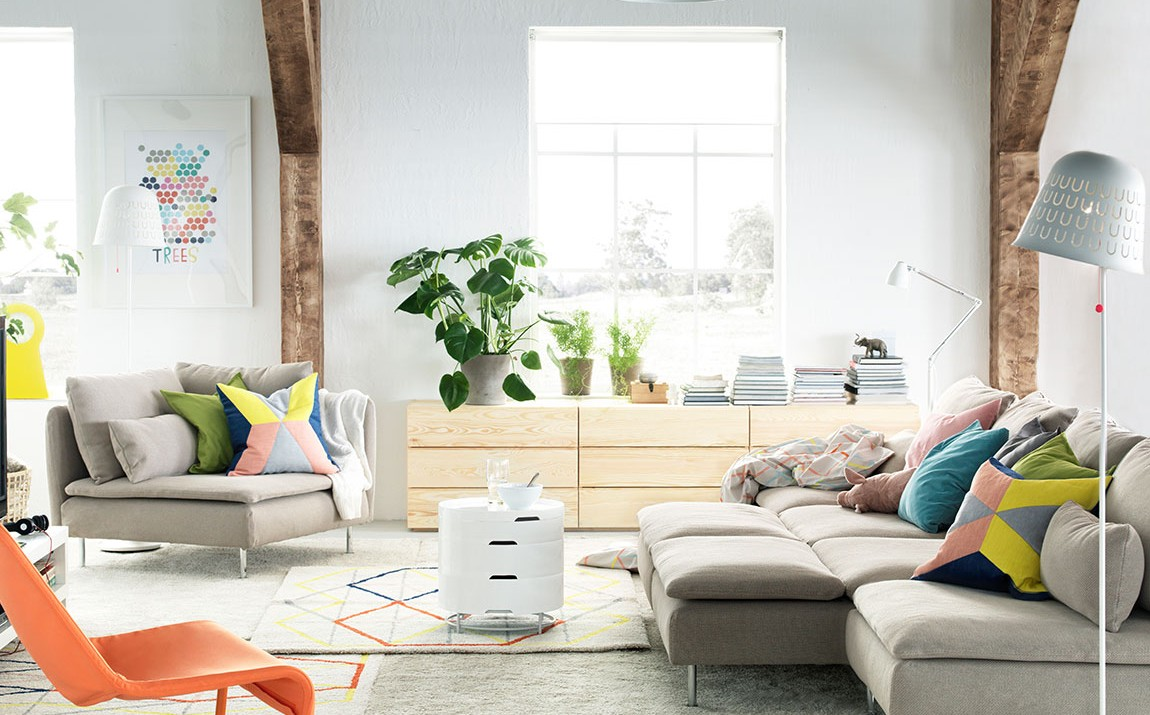 A Stylish And E Saving Soderhamn Sofa With Chaise In Living Room