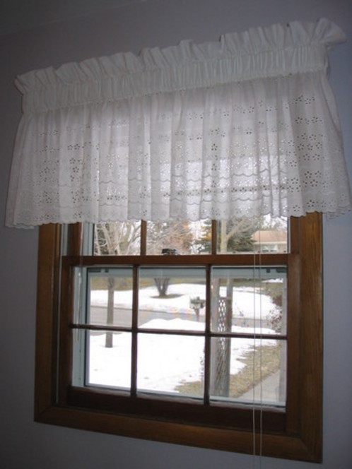 Curbly Window Valance