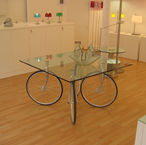 I Really Like This Bicycle Wheel Table @ Made In Design, Seems Like A Good  (re)make U2013 [via] Link.
