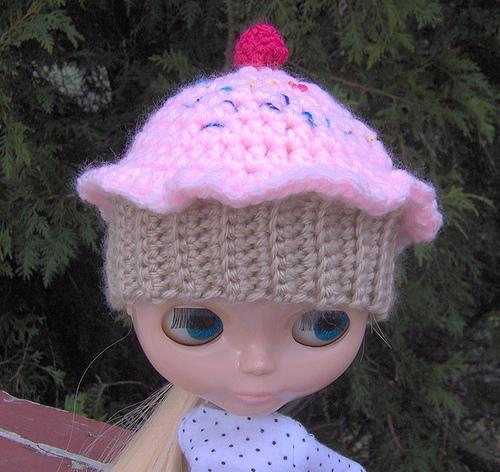 Crochet Hat Pattern For Blythe : Blythe Crochet Cupcake Hat Pattern Make: