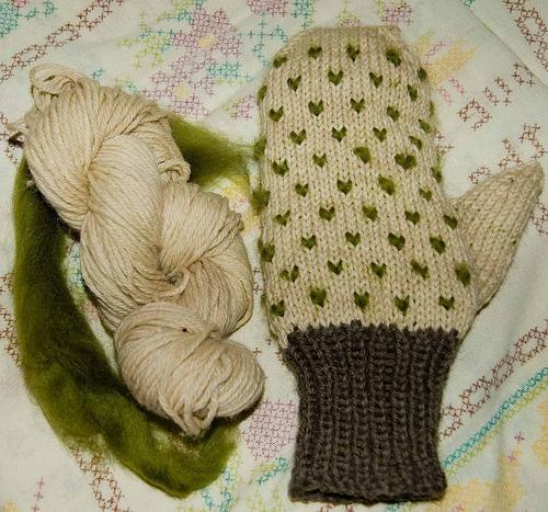 Lady Moss Mittens Knitting Pattern Make