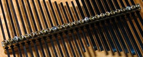 Groundbar Lamellophone Detail