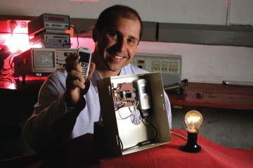 74118-Gadget Freak Case 126 Talk To Gadgets Remotely A