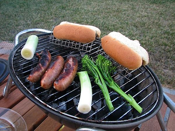 hotdogbunsjig.jpg